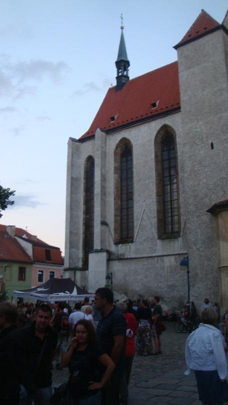 Praça Piaristické, onde aconteceu o festival de jazz.